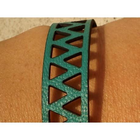 Bracelet Triangles